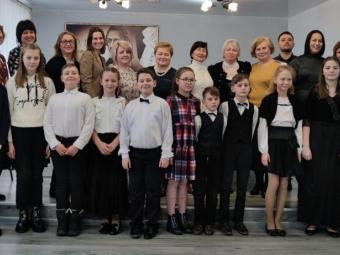 Учні музичної школи – переможці обласного конкурсу виконавців на струнно-смичкових інструментах