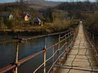 На заході України піднімається рівень води в річках є загроза зсувів ґрунту та селевих потоків