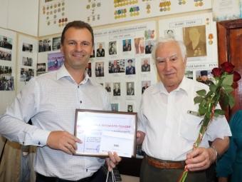 Міський голова Володимира привітав з 80-річчям ветерана праці Миколу Селецького