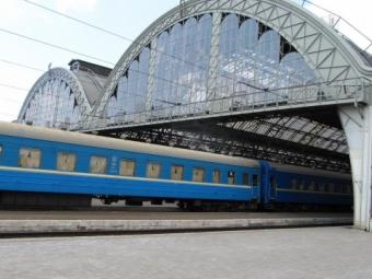 Укрзалізниця визначила напрями для додаткових поїздів на Великдень