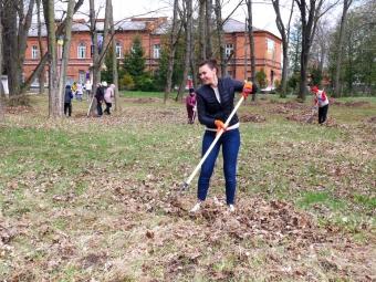 У Володимирі містяни прибрали від чагарників Брусилівський парк