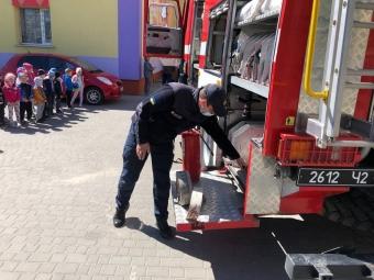 У володимирському садочку № 8 провели бесіду щодо правил запобігання пожеж