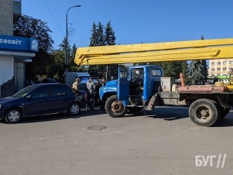 У Володимирі сталася ДТП за участю автокрана та легковика