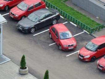 Українських водіїв можуть по-новому штрафувати за паркування