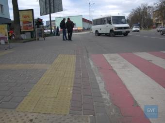 У Володимирі-Волинському удосконалили два пішохідних переходи