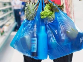 Скільки часу є у бізнесу до заборони пластикових пакетів в Україні
