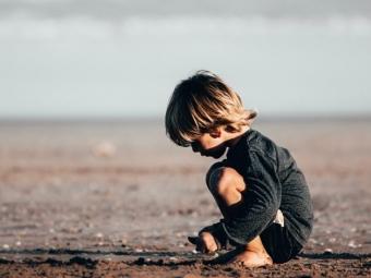 На Львівщині у руках 6-річного хлопчика розірвалась петарда