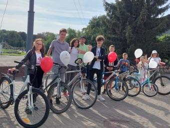 Випускник «Школи маленьких гідів» провів першу велосипедну екскурсію-квест у Володимирі