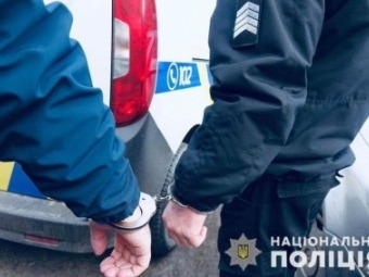 В АТБ у Новововлинську з ножем напали на адміністратора