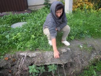 Середньовічне розв'язання проблеми незаконних ровів, по яких нечистоти пливуть у Лугу і Буг