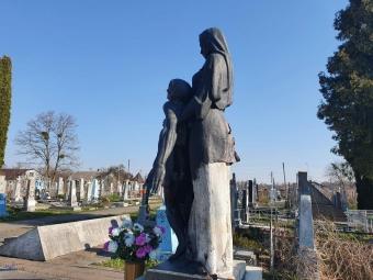 Вандали познущалися над пам'ятником жертвам Другої світової війни