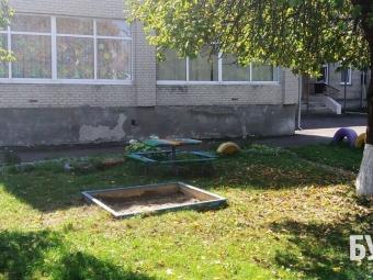 В Іваничах батькам порекомендували самостійно відремонтувати майданчик у дитсадку