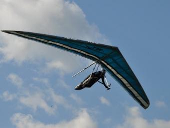 Із території Литовежської громади в Польщу чоловік літав на дельтаплані