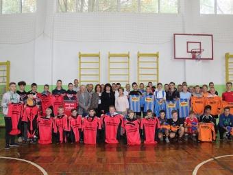 Вихованці Нововолинської дитячо-юнацької спортивної школи отримали нову спортивну форму