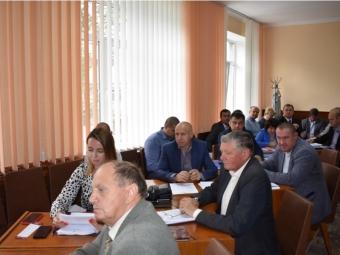 Проєкти землеустрою, співпраця зі ЗМІ, програма економічного та соціального розвитку району – про це говорили на сесії Володимир-Волинської районної ради