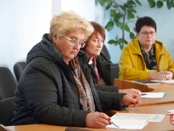Робоча  група обговорювала проблему низьких заробітних плат